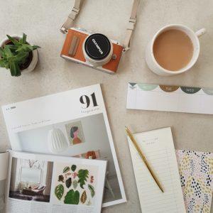 91-magazine-E_s7-xq0FAk-unsplash